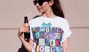 SignYourName Custom Shirt - Shot by Marina Belikova