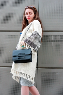 moda-style-telling-That-Brand-You-Should-Be-Making-a-Statement-With-featured-image-midi-dress-full-cardigan