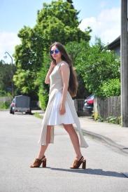moda-style-telling-slit-shirt-styling-mules-2
